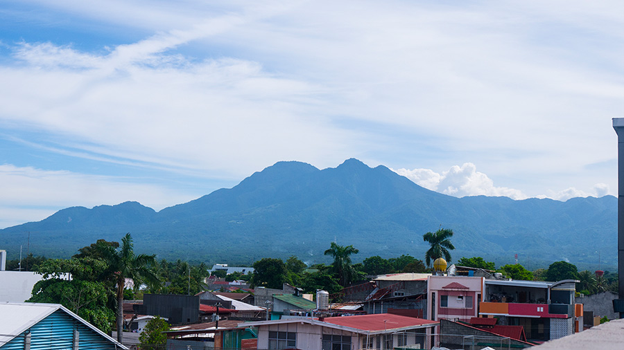 Golden-Gate-Suites-Dumaguete-Mt-Talinis-view